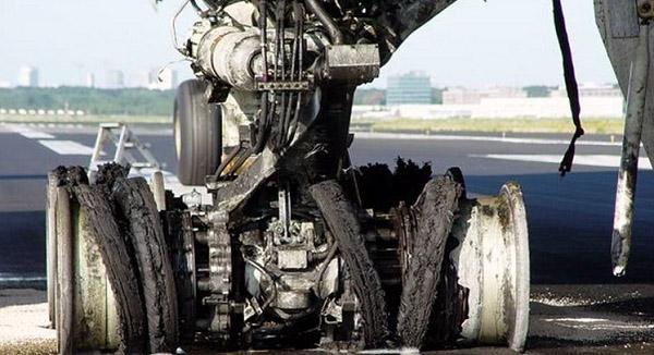 Что внутри авиационной шины? Секрет «сосуда высокого давления» и  современные технологии